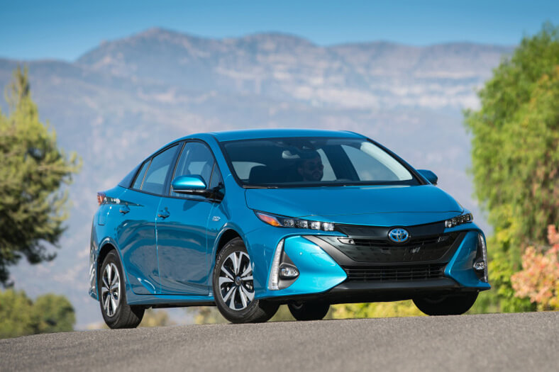 What You Should Know About Buying a Hybrid Car